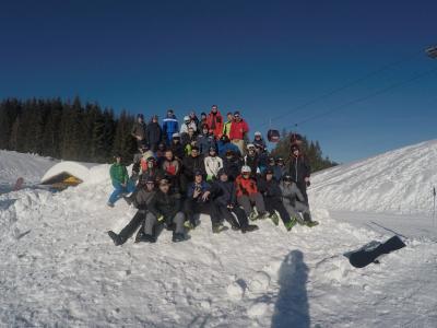 BKLK-Schüler lernen Ski- und Snowboardfahren in Reit im Winkl - Ein Muss für jeden, der noch nie Skisport betrieben hat