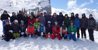 Auszubildende im Schnee - Wintersport-AG am BKLK