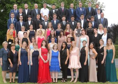 Berufskolleg Lübbecke feiert Abiturientinnen und Abiturienten