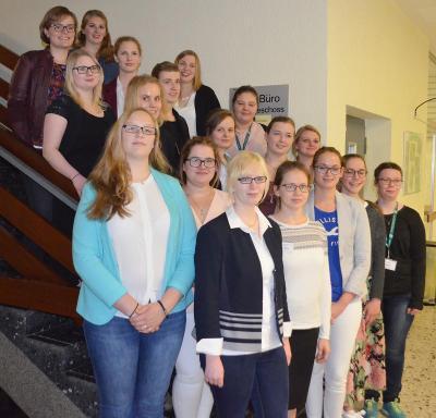 Die besten Nachwuchs-Hauswirtschafterinnen in Nordrhein-Westfalen – Auszubildende vom Berufskolleg Lübbecke erfolgreich auf dem 4. Platz