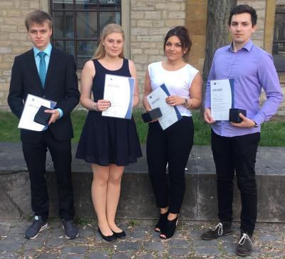 IHK Bielefeld ehrt ihre besten Absolventen - Sechs Schüler vom Berufskolleg Lübbecke dabei