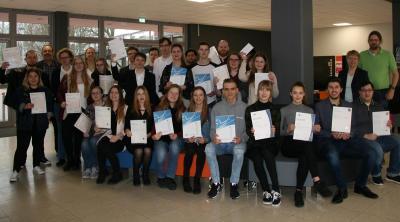 31 Schüler*innen des Berufskollegs Lübbecke legen erfolgreich Sprachzertifikate ab
