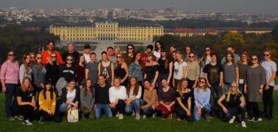 Wien, Wien, nur du allein, sollst stets die Stadt unserer Träume sein...